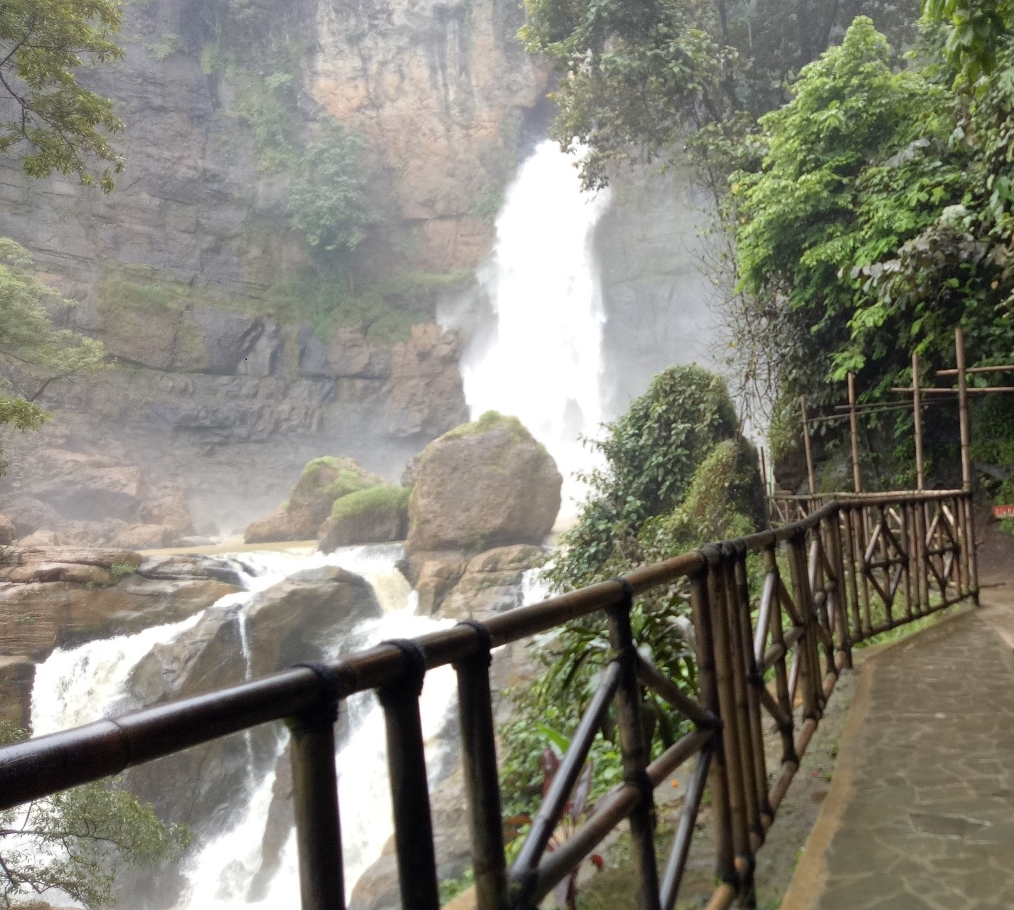 Cimarinjung waterfall